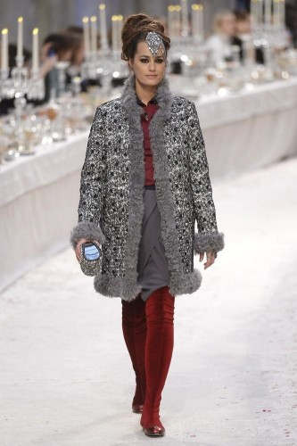 collezione-chanel-pre-fall-2012-bombay-paris-L-eSkWyQ.jpeg