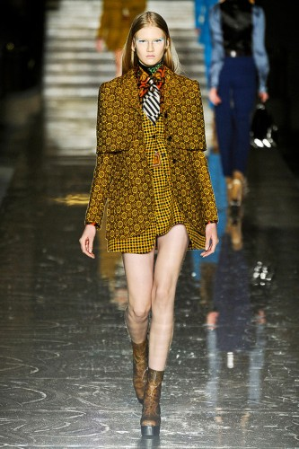 MIU-FALL-2012-RTW-PODIUM-016_runway.jpg